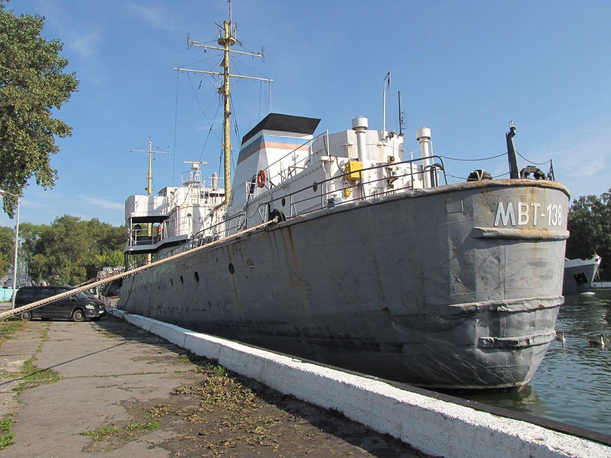 Baltijsk vodonalivnoj tanker