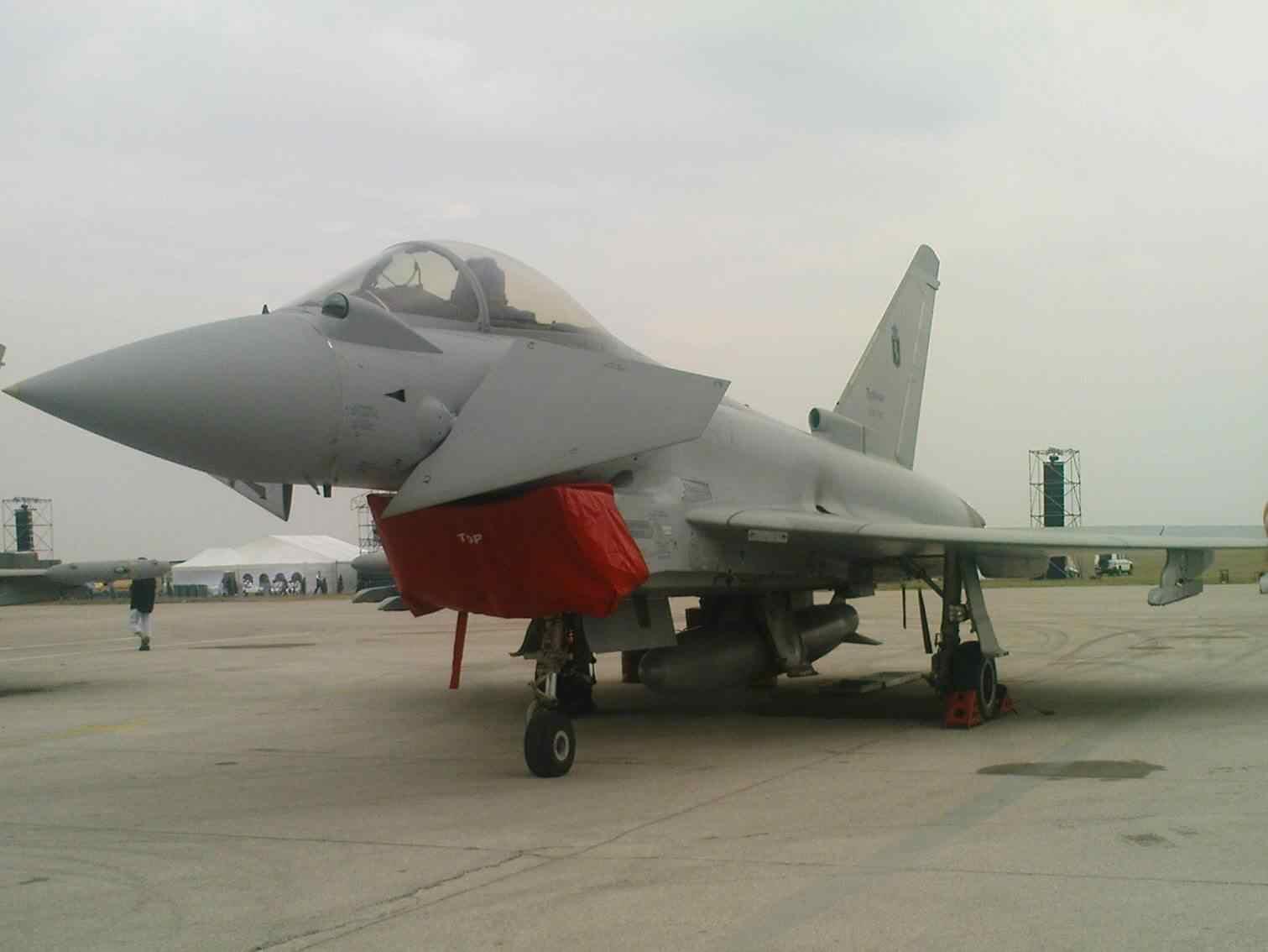 Aeromiting Batajnica 2009 Eurofighter  Typhoon