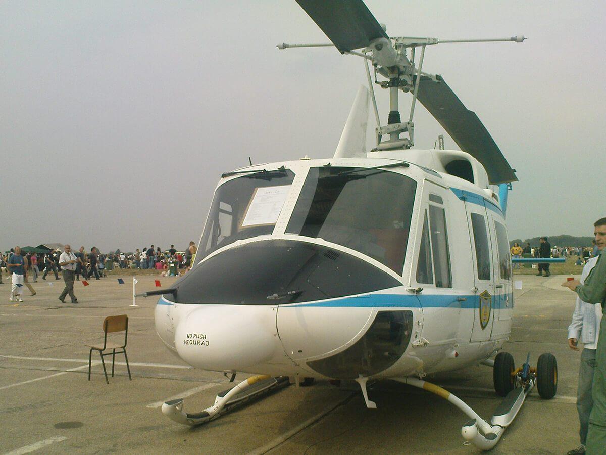 Aeromiting Batajnica 2009 Bell 212