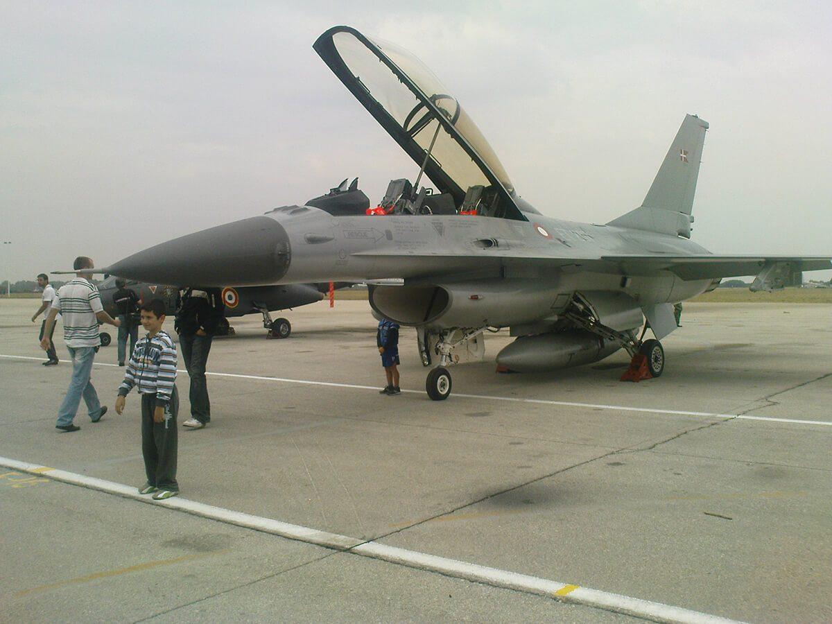 Aeromiting Batajnica 2009 danski F-16