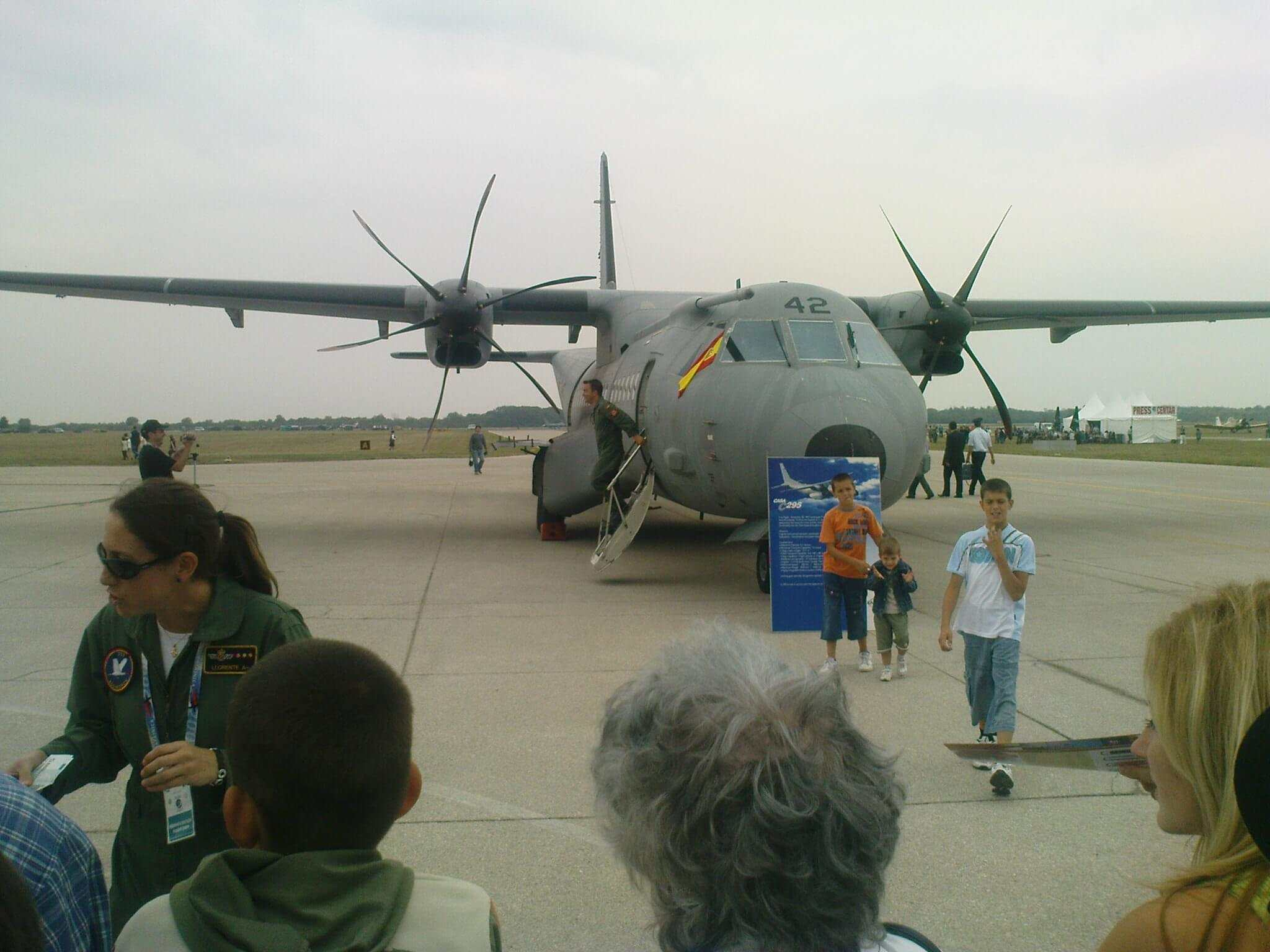 Aeromiting Batajnica 2009 spanski EADS CASA C-295