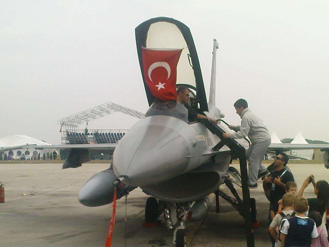 Aeromiting Batajnica 2009 turski F-16