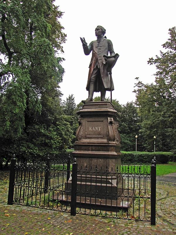 Kaliningrad -Monument to Immanuel Kant