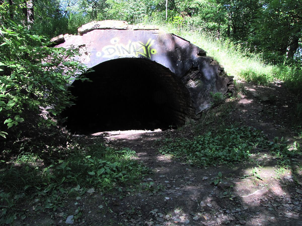 Kronstat - veštačka pećina