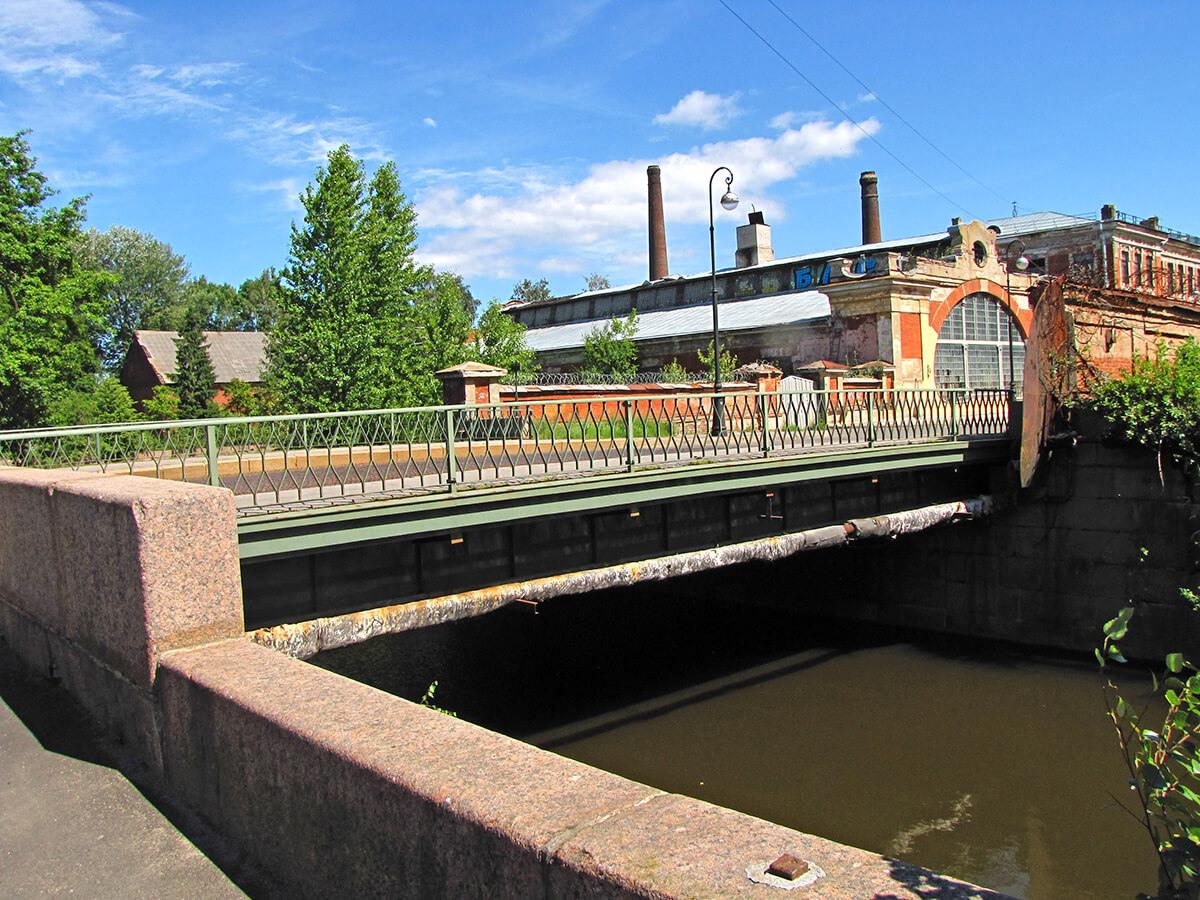 Kronštat - Most sa metalnim kolovozom