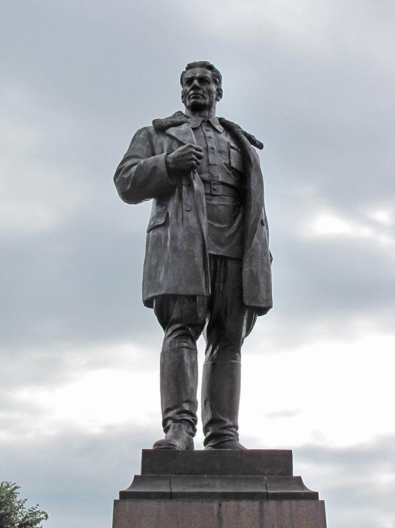 Pamyatnik Konstantinu Zaslonovu v Orshe