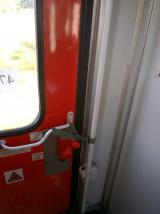 Train_Belgrade-Thessaloniki_door2