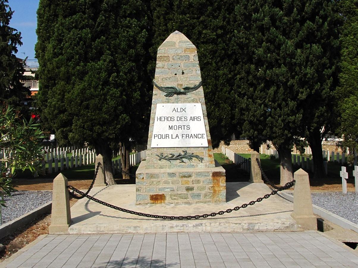 Zejtinlik francusko groblje spomenik