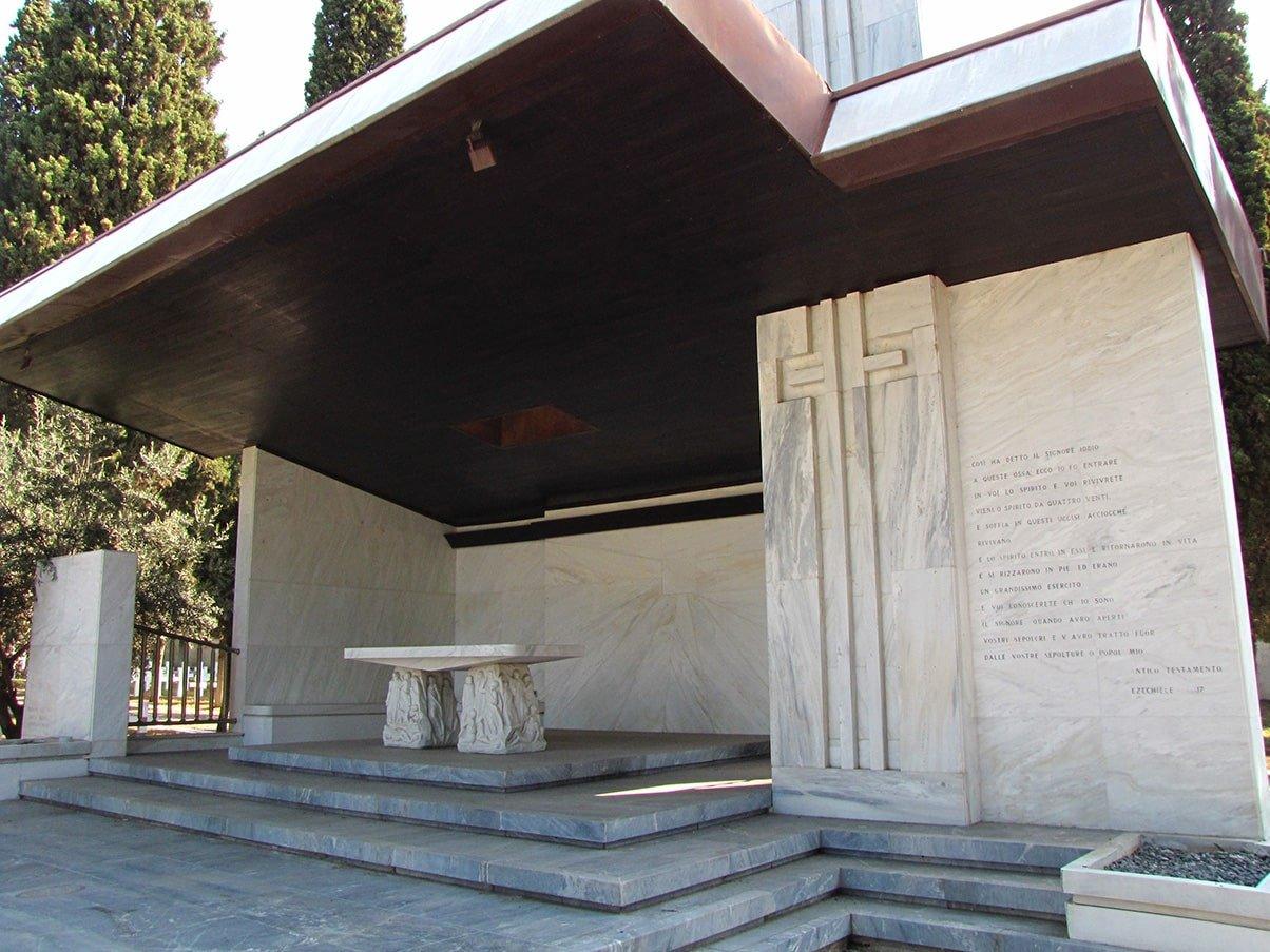 Zejtinlik italijansko groblje kapela