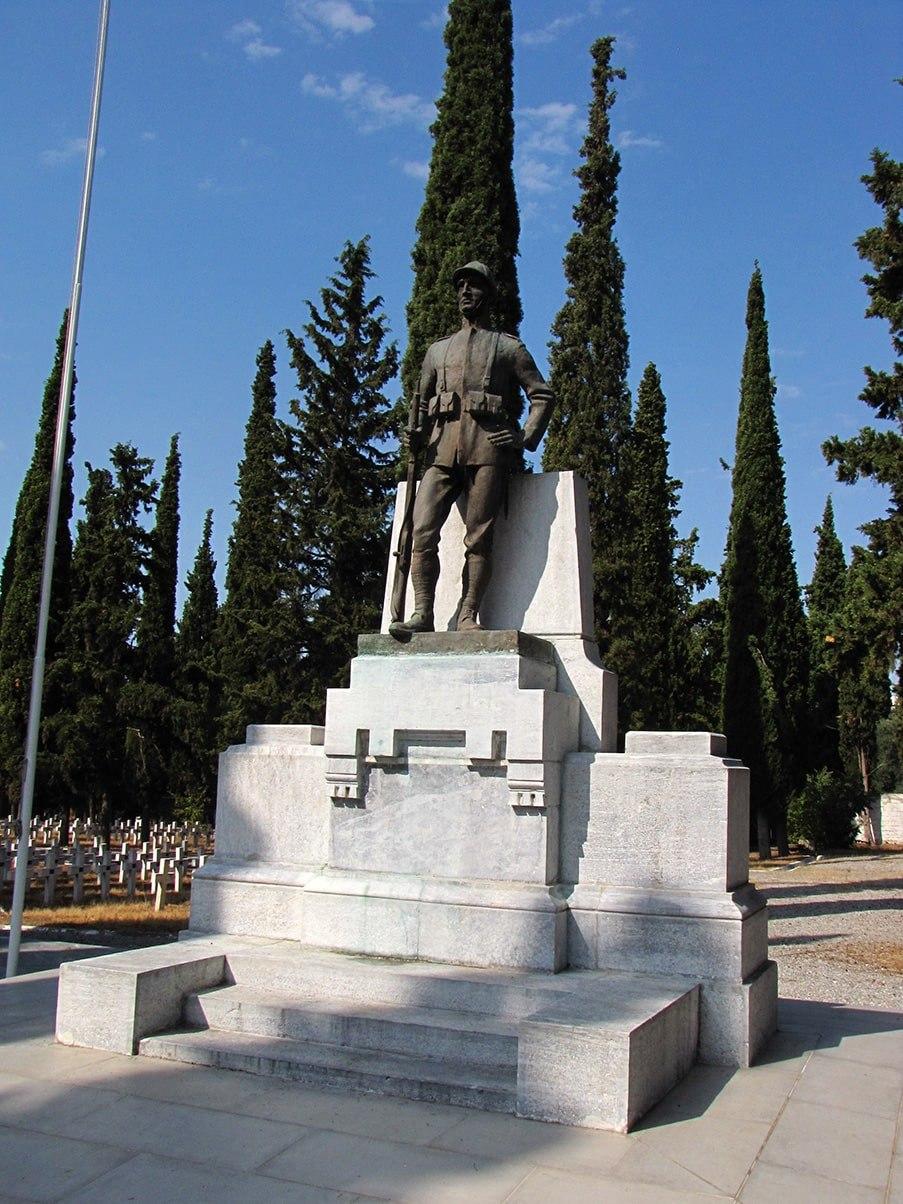 Zejtinlik italijansko groblje spomenik