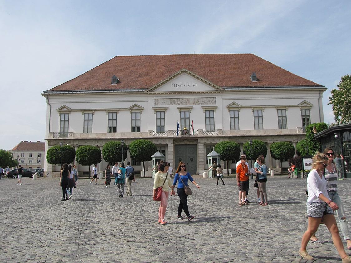 Šandor palata
